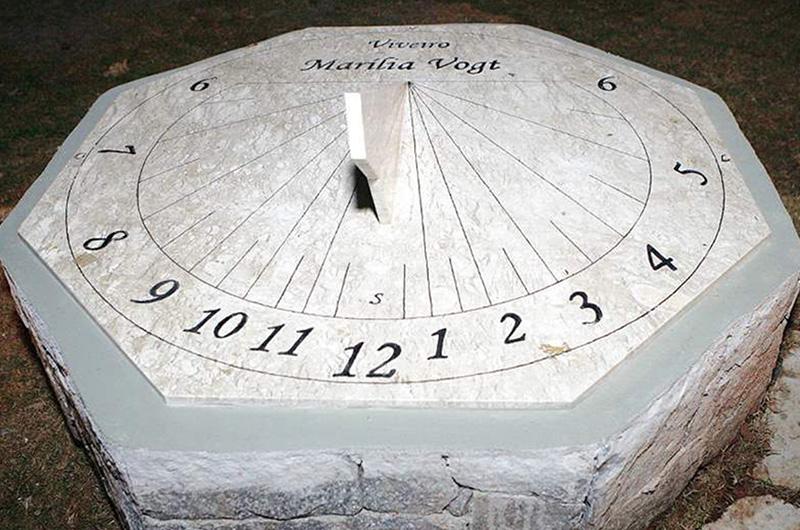relógio de sol Viveiro Marília Vogt