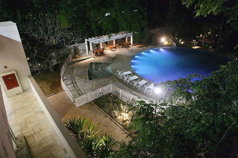 piscina descoberta Viveiro Marília Vogt